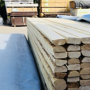 Vajaakanttinen puutavara lauta koolinki